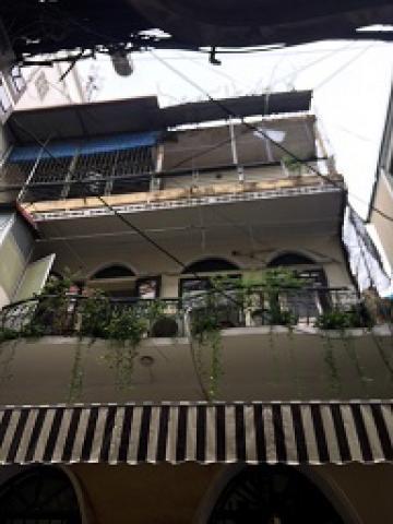 Cần bán gấp nhà mặt phố số 322 Phúc Tân, Hoàn Kiếm.